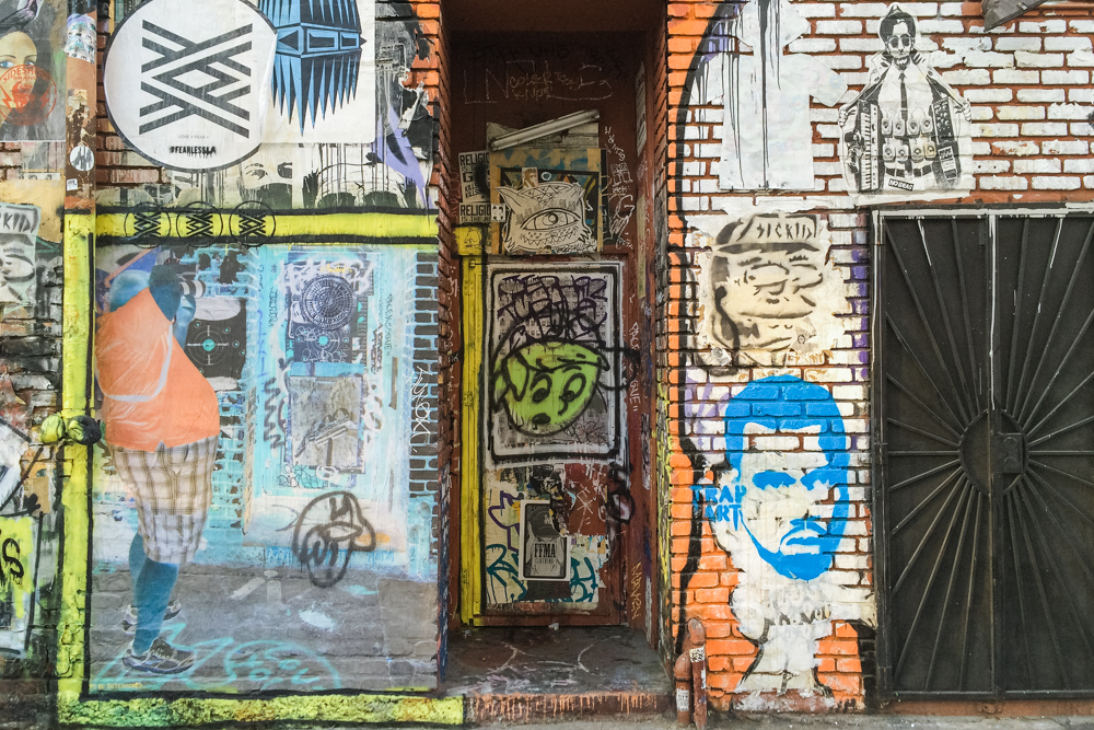 downtown los angeles gritty urban industrial street art mural graffiti architecture wedding engagement session photography photos-6061