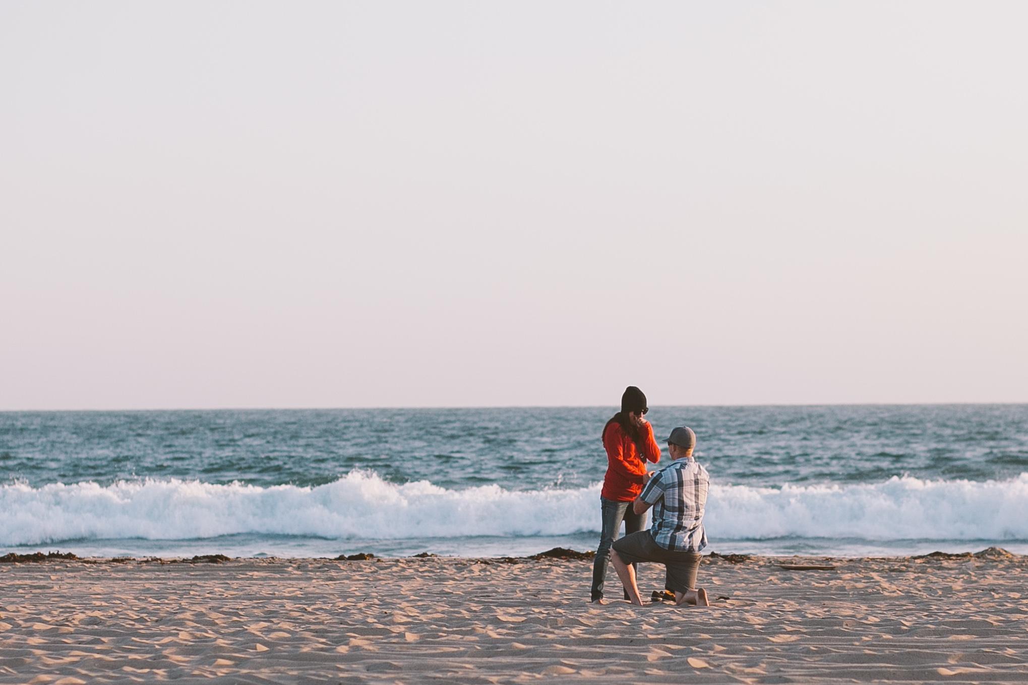 surprise proposal beach santa monica engagement photographer los angeles