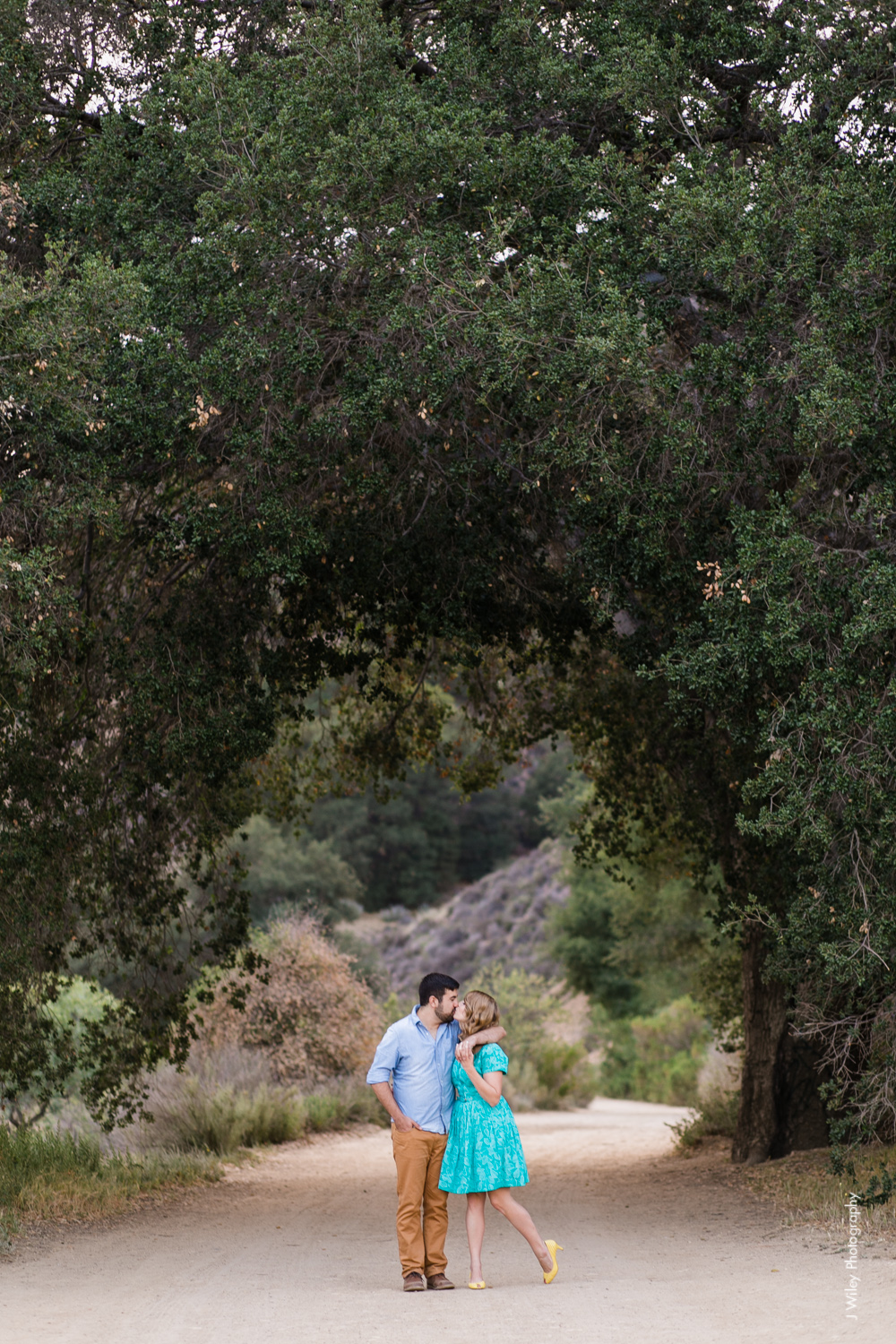 malibu engagement photography los angeles wedding photographer candid indie field mountains wildflowers-1182