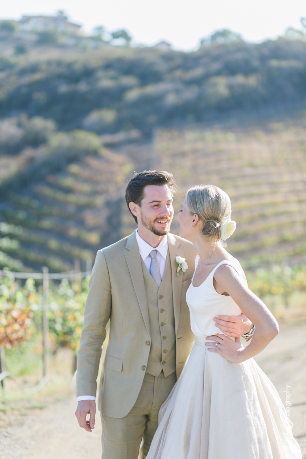 j wiley rustic whimiscal saddlerock ranch vineyard wedding malibu neutral gold mountains-1209