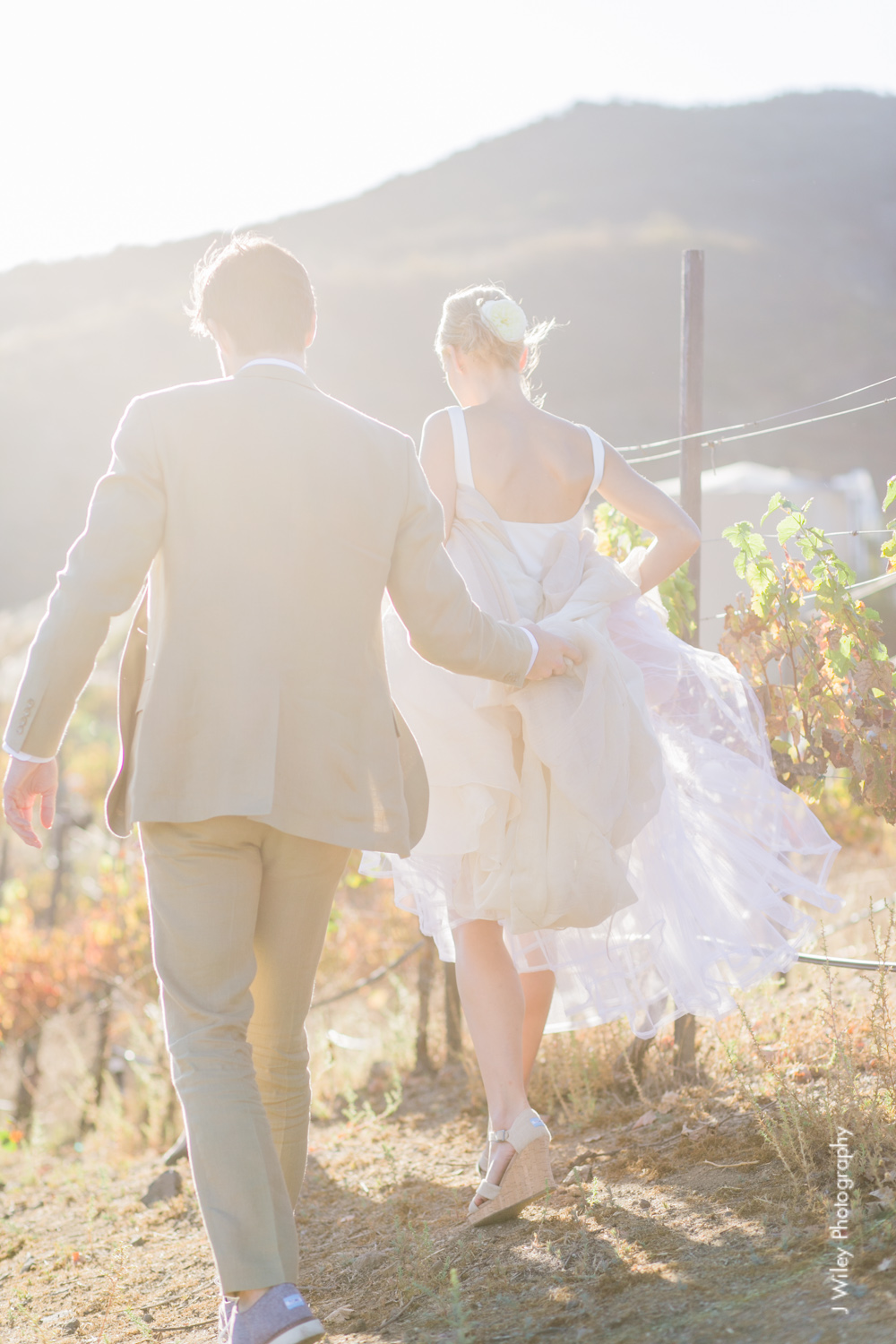 j wiley rustic whimiscal saddlerock ranch vineyard wedding malibu neutral gold mountains-1305
