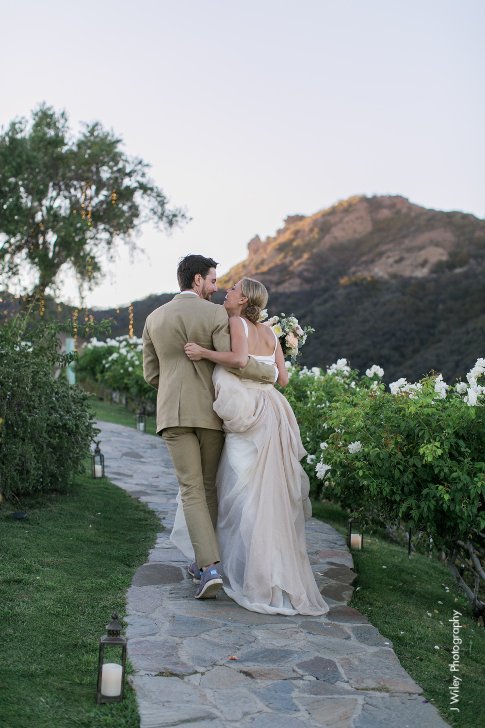 j wiley rustic whimiscal saddlerock ranch vineyard wedding malibu neutral gold mountains-1498