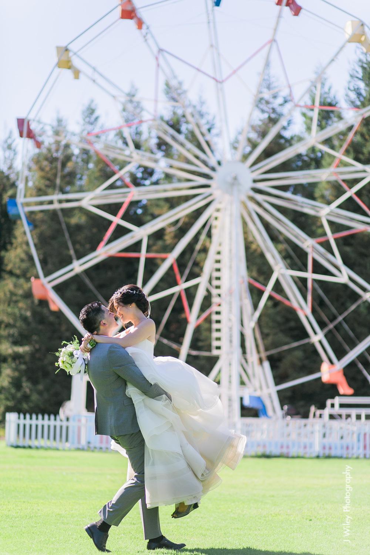 calamigos ranch malibu wedding pink confetti first look ferris wheel-1219