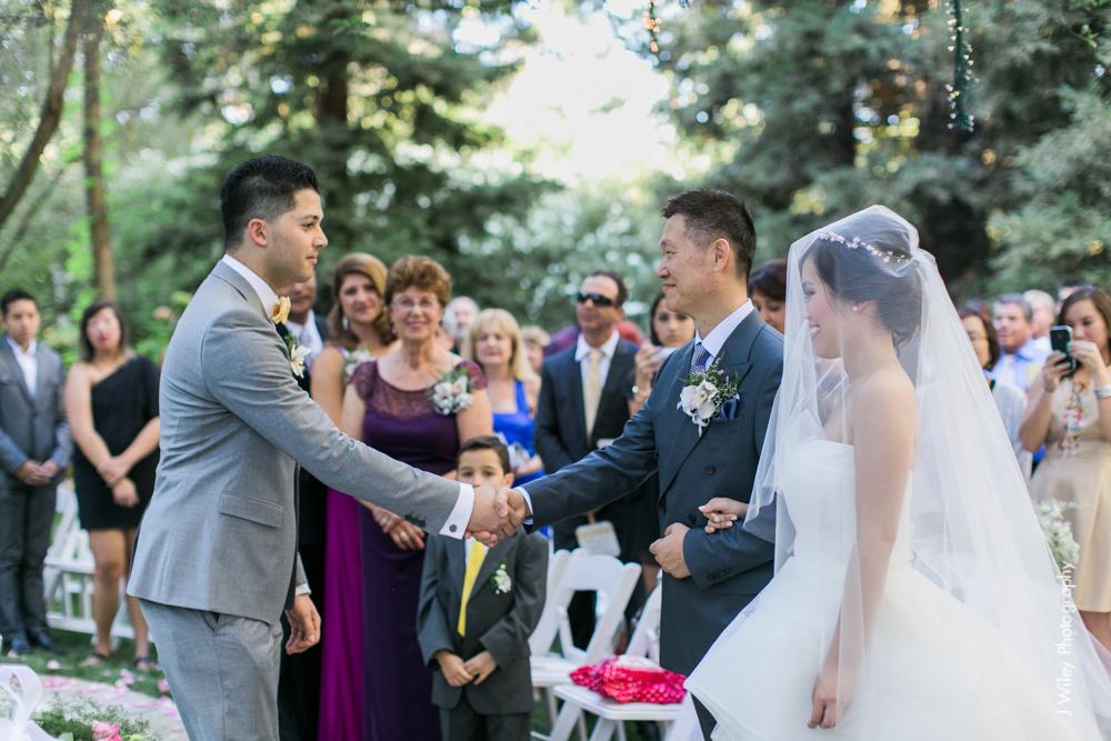 calamigos ranch malibu wedding pink confetti first look ferris wheel-1337