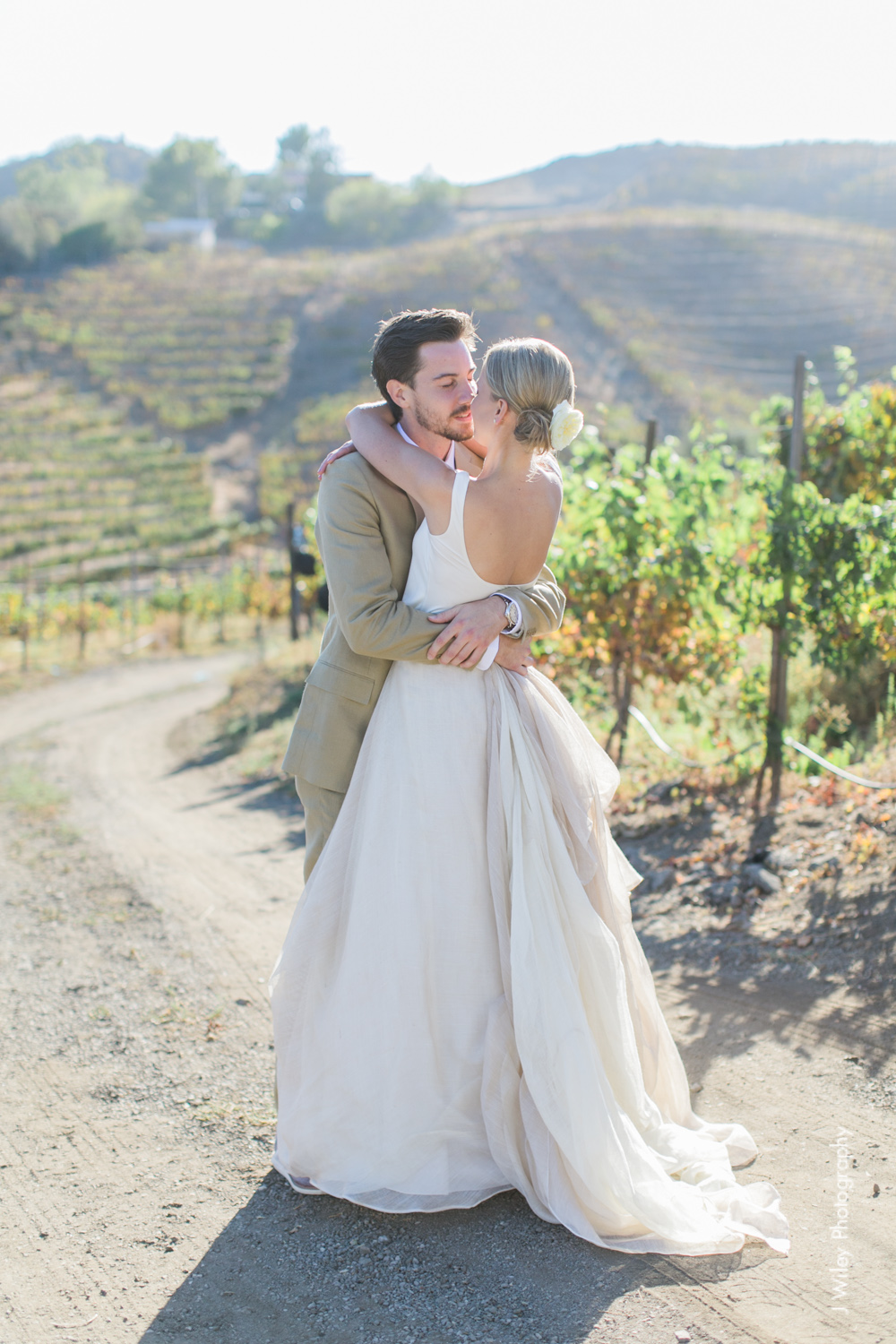 j wiley rustic whimiscal saddlerock ranch vineyard wedding malibu neutral gold mountains-1183