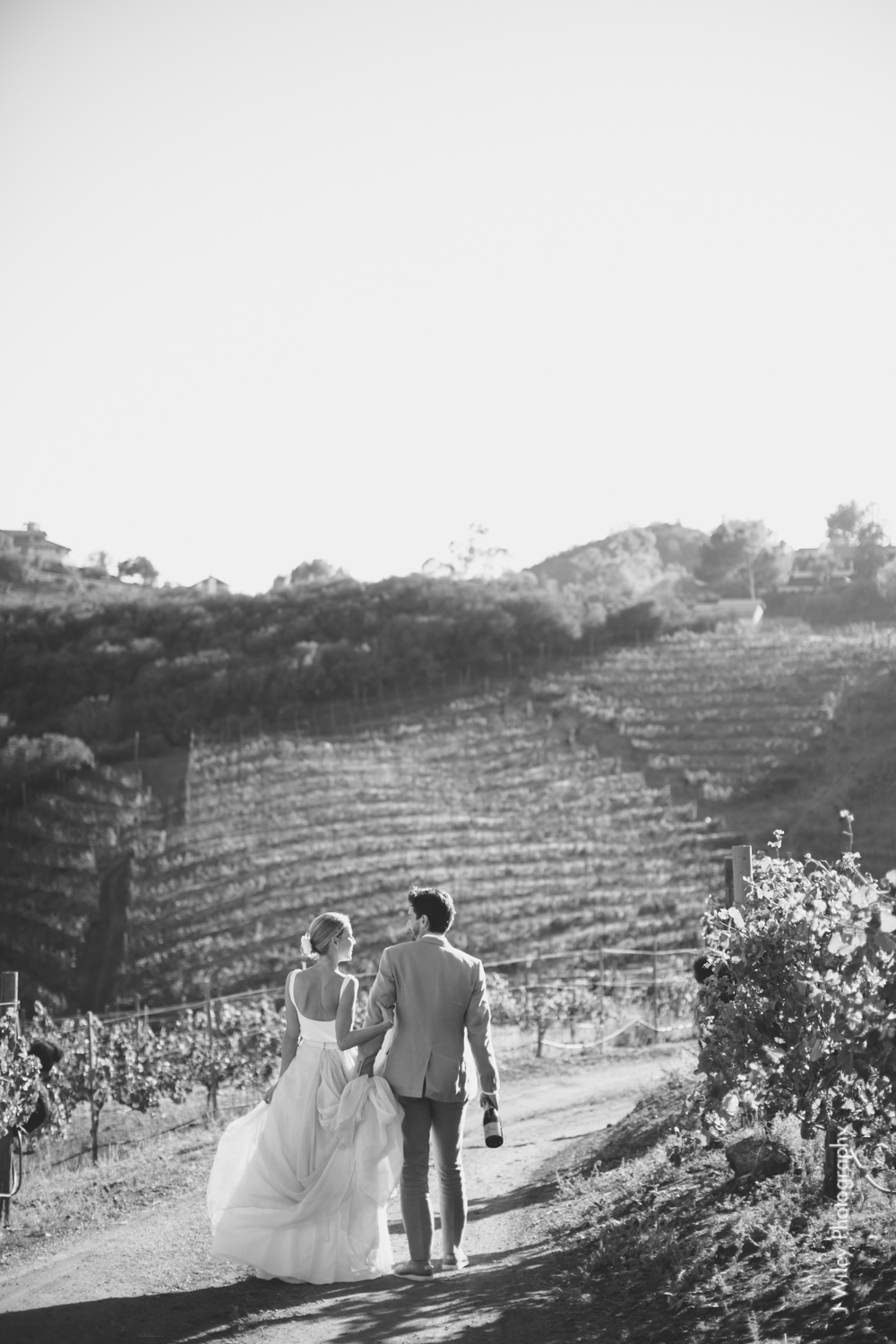 j wiley rustic whimiscal saddlerock ranch vineyard wedding malibu neutral gold mountains-1257